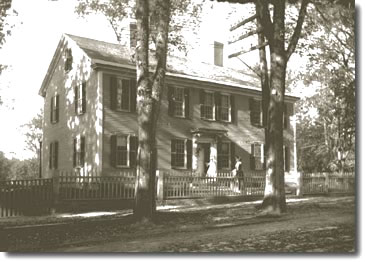 Spalding House, 1907, when it was purchased by the Daughters of the American Revolution from Miss Sarah Spalding